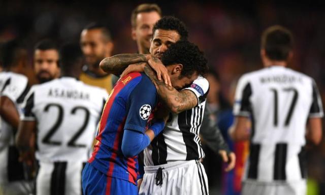 neymar-barcellona-piange-dani-alves-juventus-consola-2016-17-750x450
